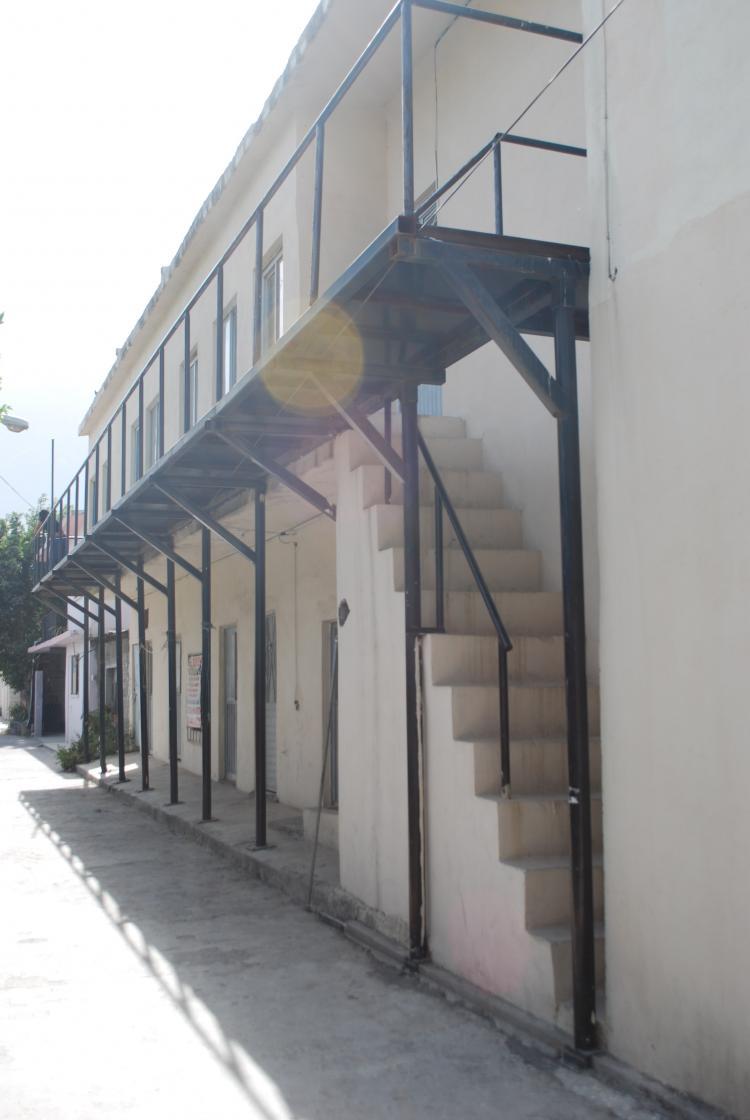 Cuartos con baño en La Fama - Renta — Santa Catarina DER43544