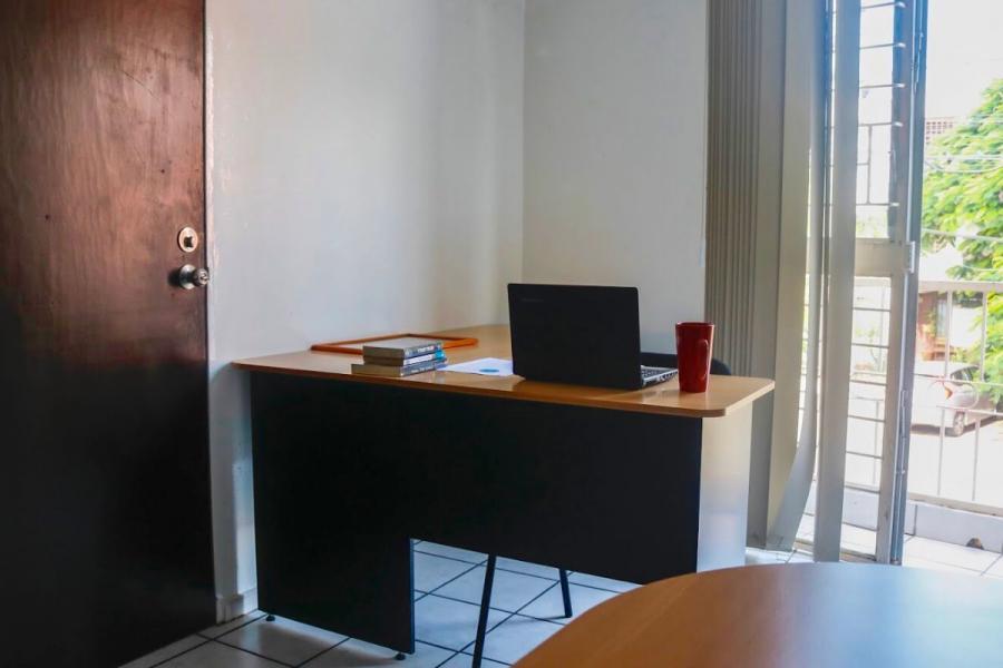 Foto Oficina en Renta en LA ESTANCIA, Zapopan, Jalisco - $ 5.800 - OFR264368 - BienesOnLine