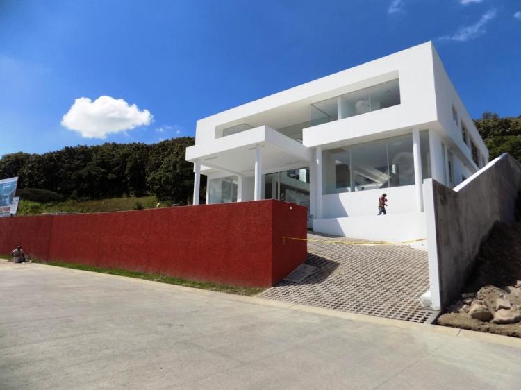 Foto Casa en Venta en Fraccionamiento Ayamonte, Zapopan, Jalisco - $ 23.000.000 - CAV232304 - BienesOnLine