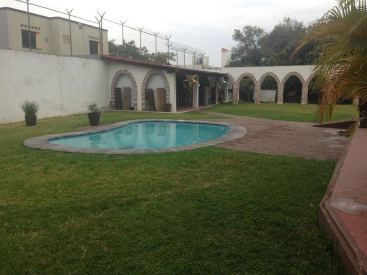 Casa Centrica Con Alberca Y Estacionamiento Para Mas De 40