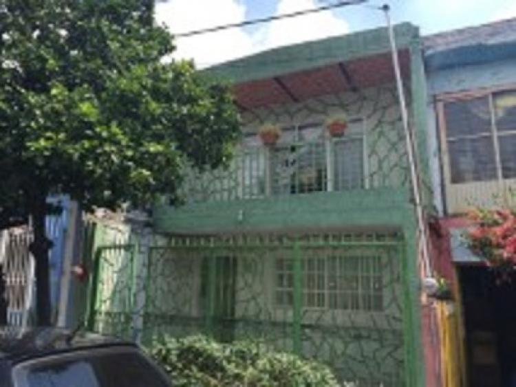 Foto Casa en Venta en san vicente, Guadalajara, Jalisco - $ 1.050.000 - CAV136118 - BienesOnLine