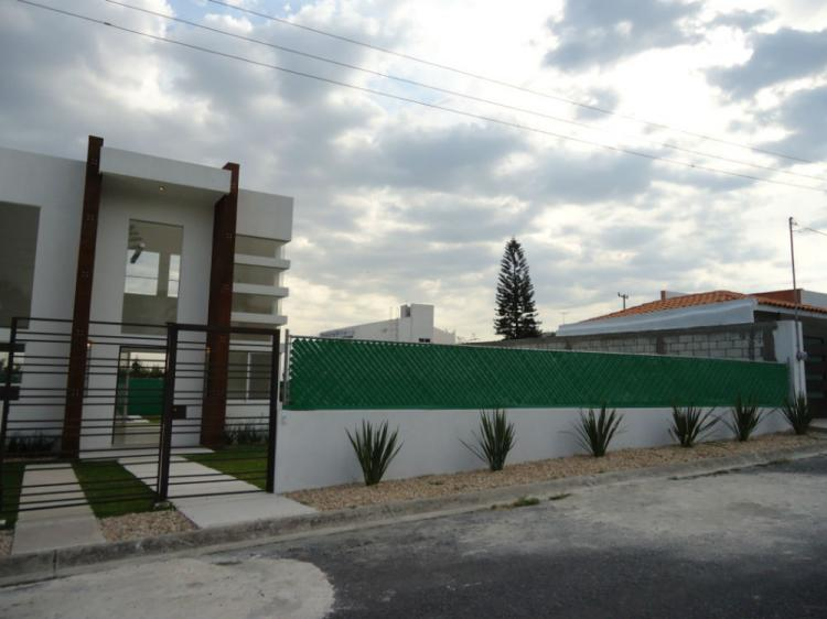 fotos de casa minimalista 600m2 seguridad alberca con