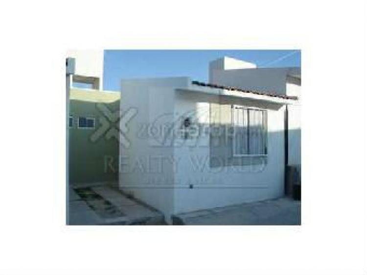 Renta de casa en loarca queretaro car54294 for Casas en renta en queretaro