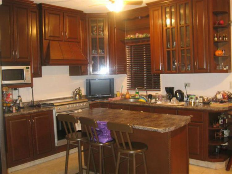 Excelente Casa De 3 Recamaras En Montecarlo Cav64730