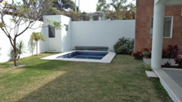 Preciosa casa minimalista en vista hermosa cav51664 for Renta casa minimalista cuernavaca
