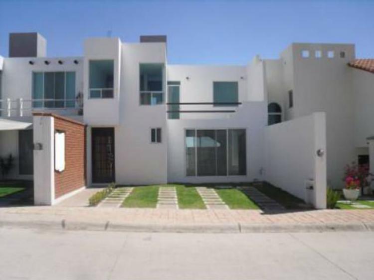 Vendo Bonita Casa De Dos Pisos En Irapuato Gto Fracc Piamonte