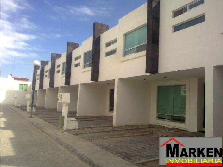 casa nueva en venta estilo minimalista en fraccionamiento camino real a cholula cav60818