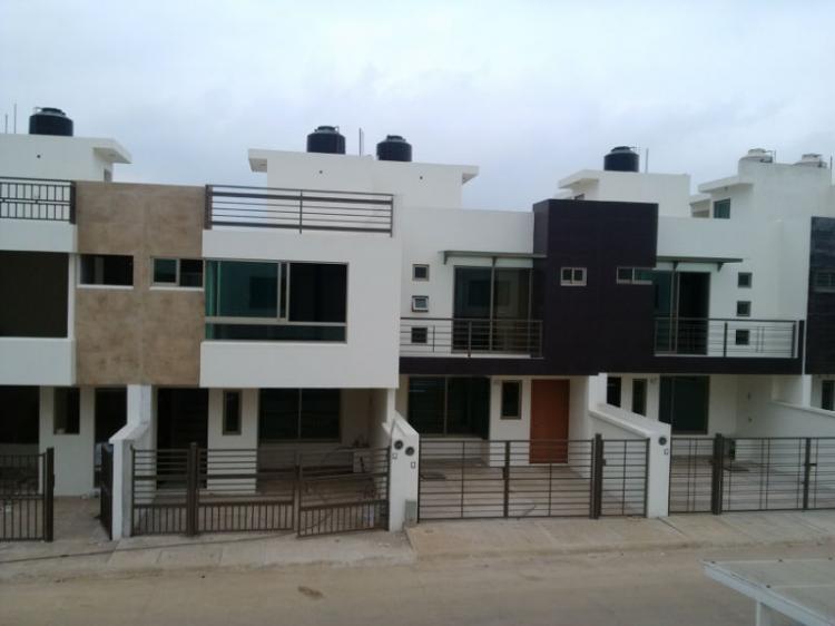 Venta de casas estilo minimalistas cav78128 for Casa minimalista veracruz