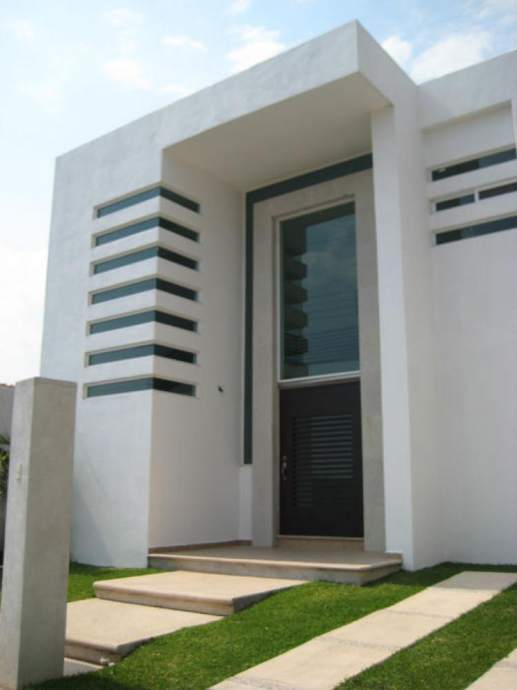 Casa con alberca moderna en oaxtepec cav78149 for Casa minimalista 300m2