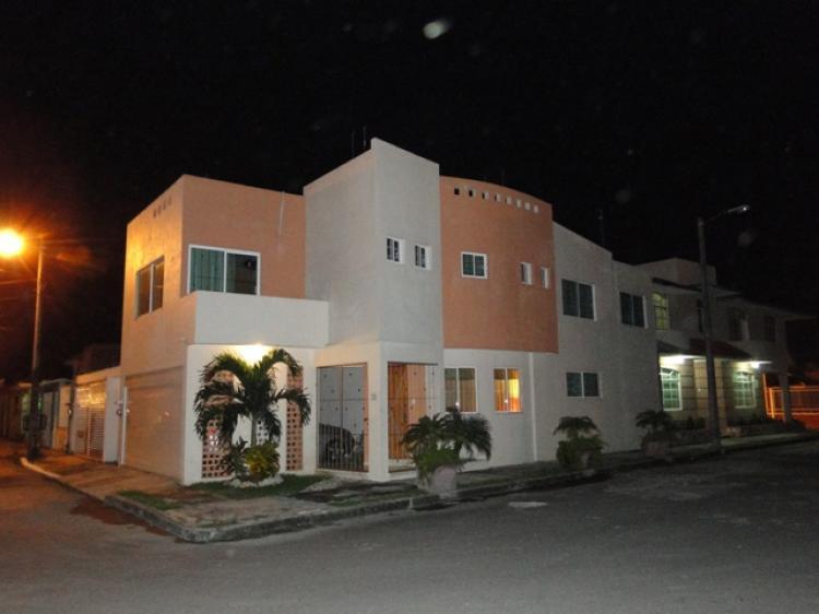 Casa minimalista en esquina cav14643 for Casa minimalista en