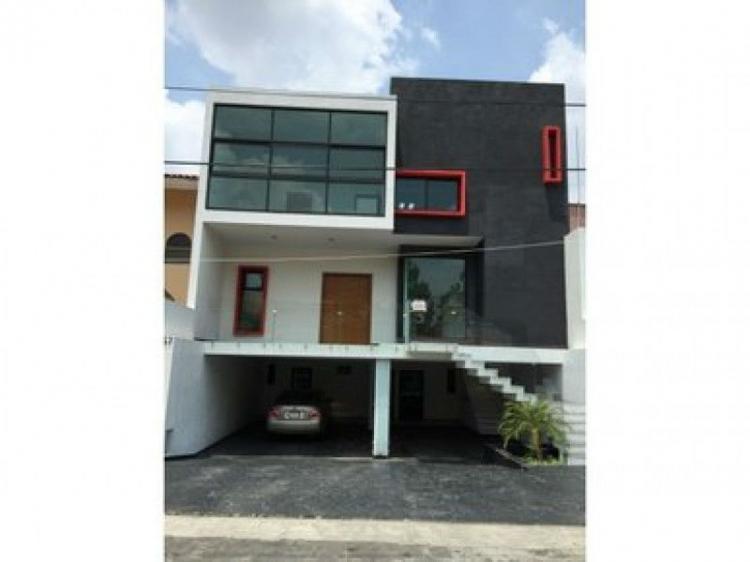 Foto Casa en Venta en VILLA UNIVERSIDAD, Zapopan, Jalisco - $ 8.250.000 - CAV147324 - BienesOnLine