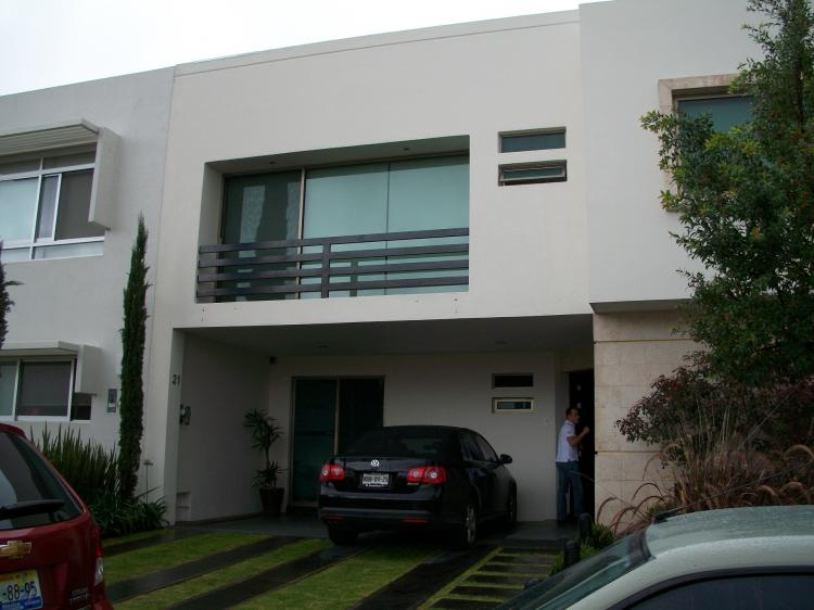Zona valle real tipo minimalista cav28446 for Casa tipo minimalista