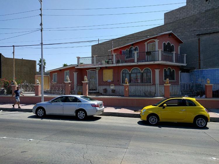 Foto Se renta local para oficina muy bien ubicada en la Avenida Aeropuerto, Tijuana