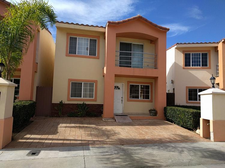 Foto Se vende casa con vista al mar en La Cuspide, Tijuana CAV218913