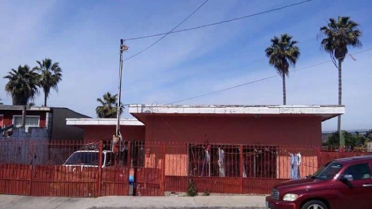 Se vende casa muy amplia en la Col. Altamira