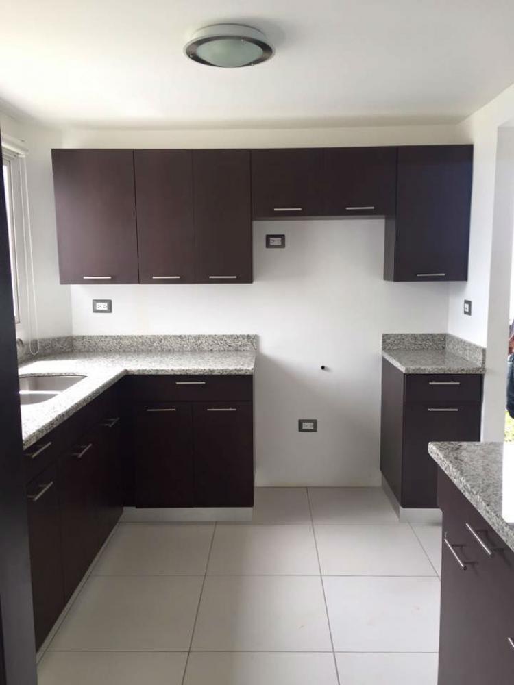 Foto Casa en Alquiler en Managua, Managua - U$D 1.300 - CAA54 - BienesOnLine