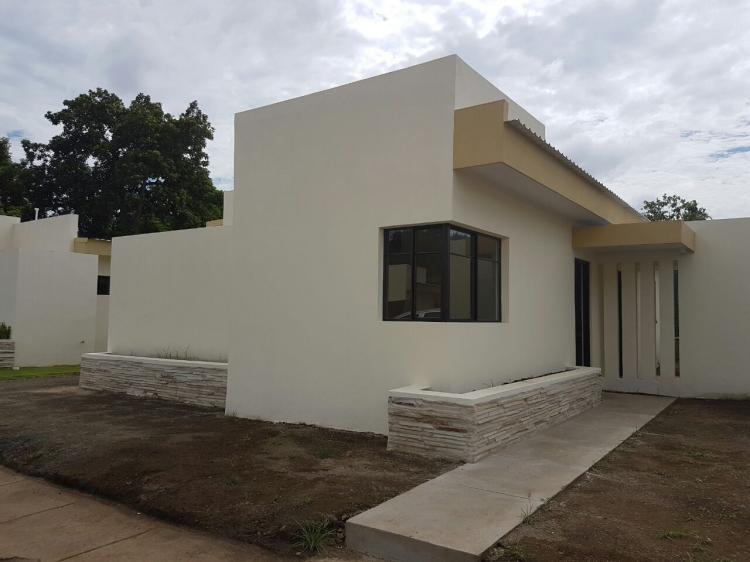 Foto Casa en Alquiler en Carretera a masaya km13.2 Resd. monte clara, Managua, Managua - 100 m2 - U$D 500 - CAA171 - BienesOnLine