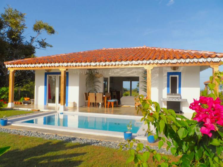Casas en pedas tu casa con o sin piscina con vista mar for Casas en alquiler en la playa con piscina