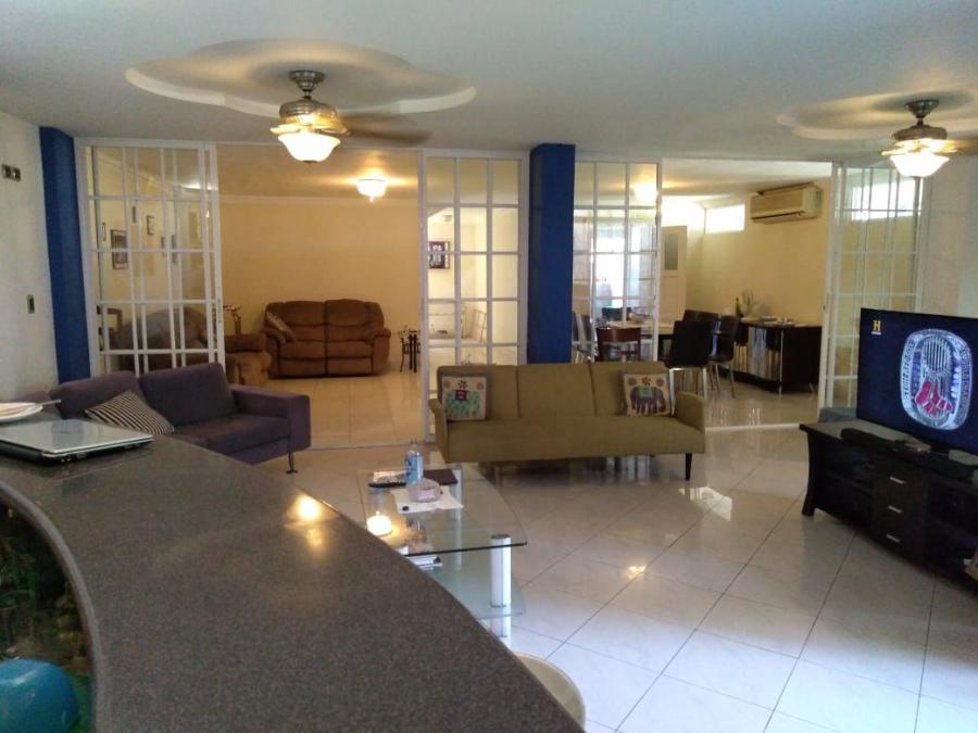 Foto Casa en Venta en Bella Vista, El Cangrejo, Panam� - U$D 475.000 - CAV33189 - BienesOnLine
