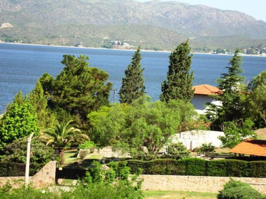 Foto Casa en Venta en VILLA CARLOS PAZ., Villa Carlos Paz, Cordoba - U$D 540.000 - CAV100362 - BienesOnLine