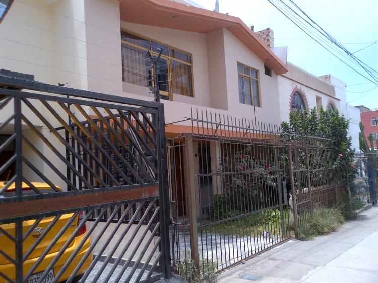 46ffc0254831 vendo casa en la Perla Callao CAV10359