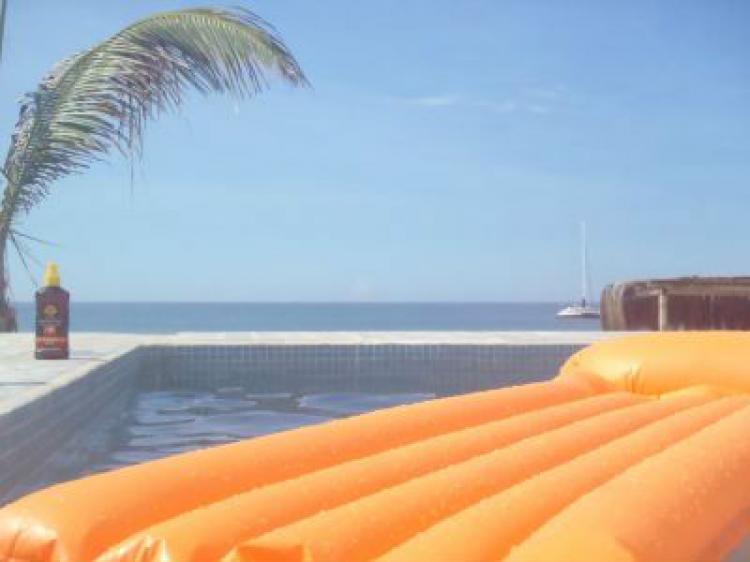 Verano todo el a o alquilo casa con piscina frente al mar for Casas de alquiler de verano con piscina