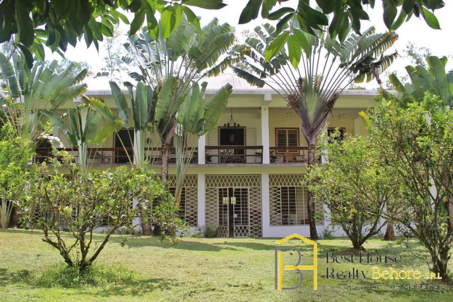 Hermosa villa en venta en los mgotes