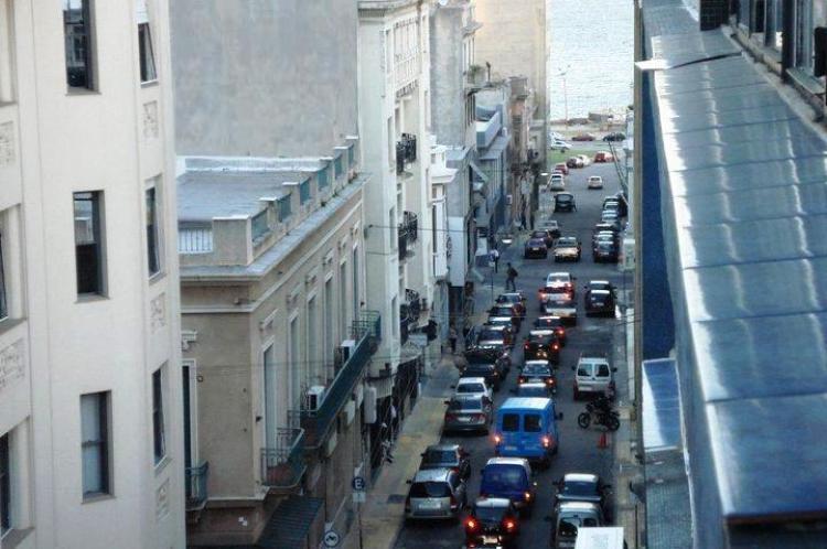 Vendo apartamento en ciudad vieja de montevideo uruguay for Fabrica de placares en montevideo