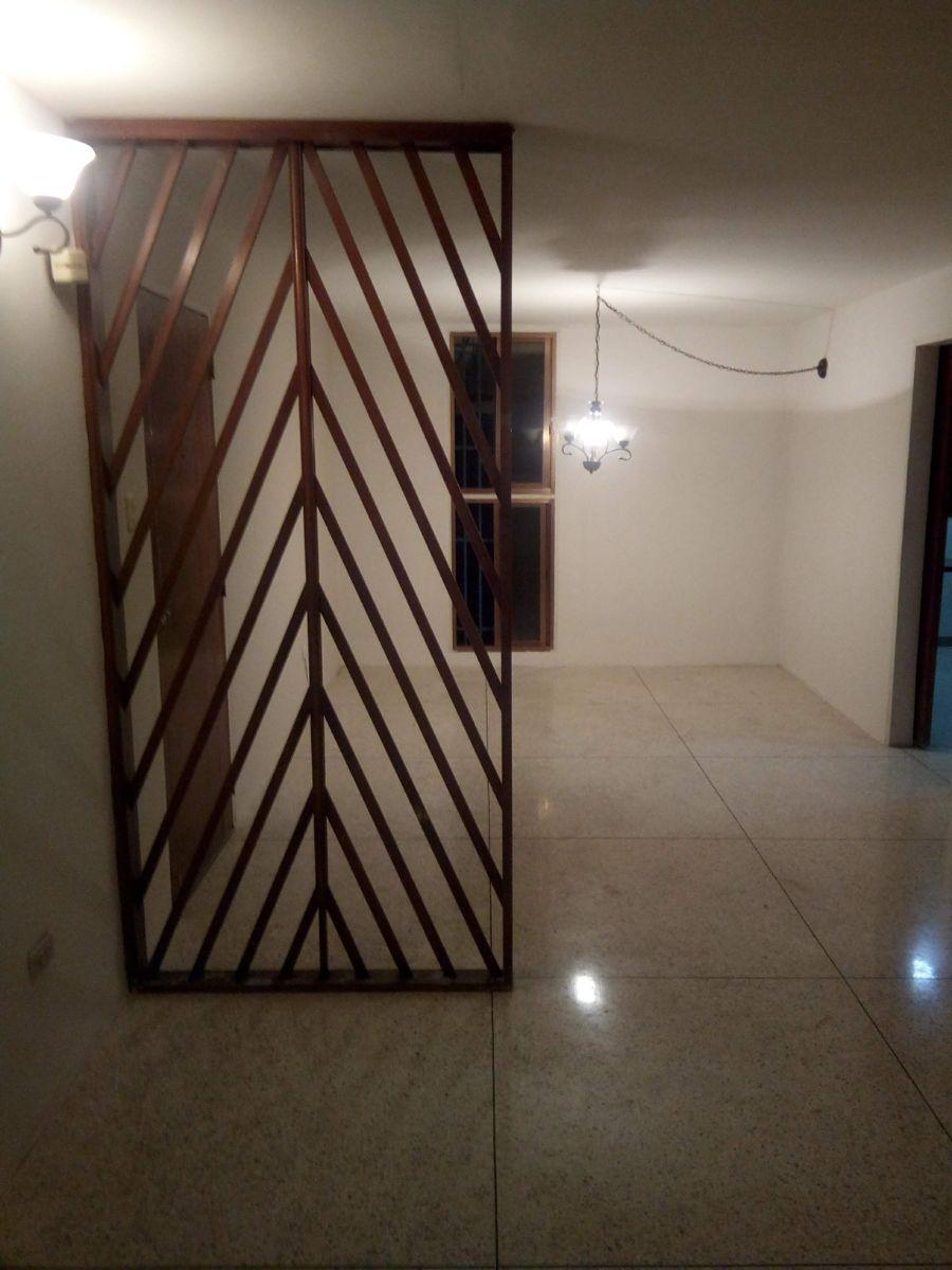 Foto Apartamento en Venta en Maracay, Aragua - BsF 17.000 - APV119409 - BienesOnLine