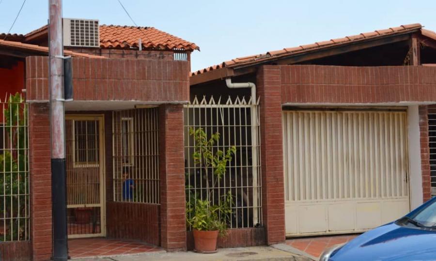 Foto Casa en Venta en Maracay, Aragua - U$D 43.000 - CAV143774 - BienesOnLine