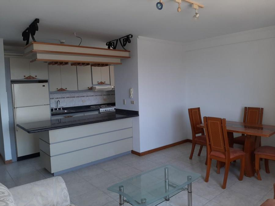 Foto Apartamento en Alquiler en Olegario Villalobos, La lago, Zulia - U$D 200 - APA148504 - BienesOnLine