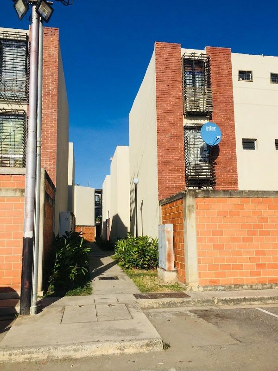 Foto Apartamento en Venta en Urb. Prisma, Guacara, Carabobo - U$D 11.900 - APV146958 - BienesOnLine