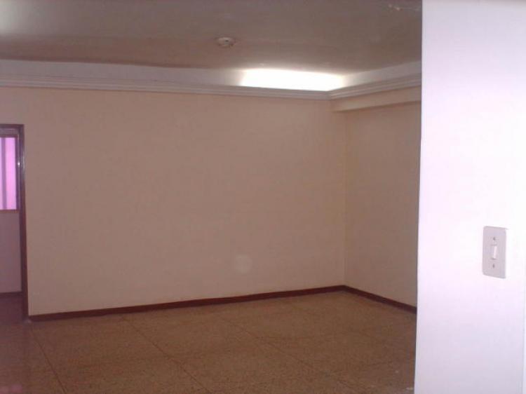 Foto Local en Alquiler en Maracaibo, Zulia - BsF 5.000 - LOA25819 - BienesOnLine
