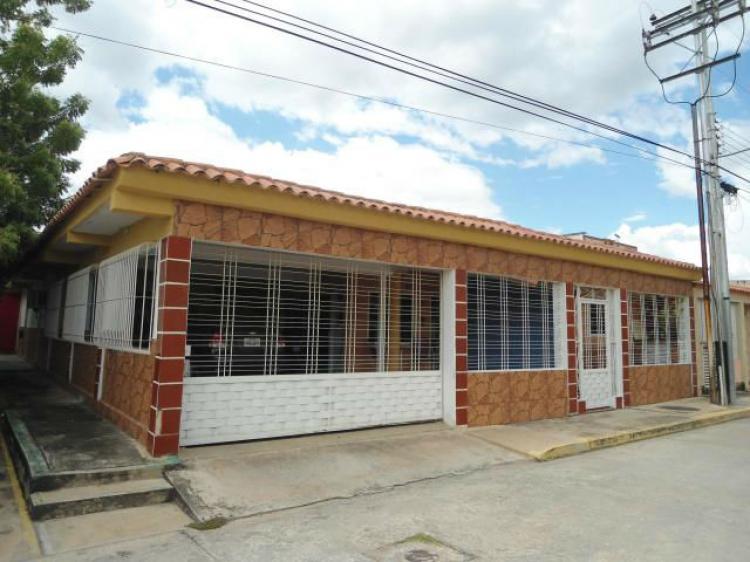 Foto Casa en Venta en Maracay, Aragua - 200 m2 - BsF 34.999 - CAV108515 - BienesOnLine