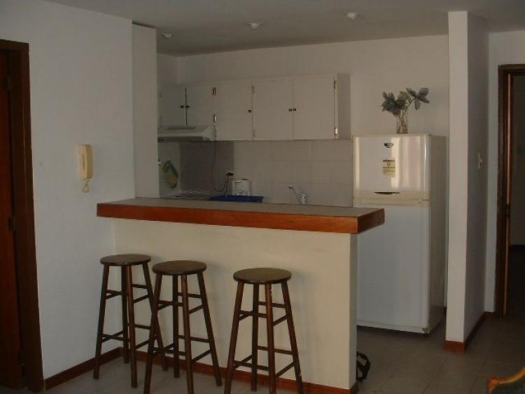 Apartamento en alquiler en maracaibo cecilio acosta 48 m2 for Cocinas pequenas para apartamentos tipo estudio