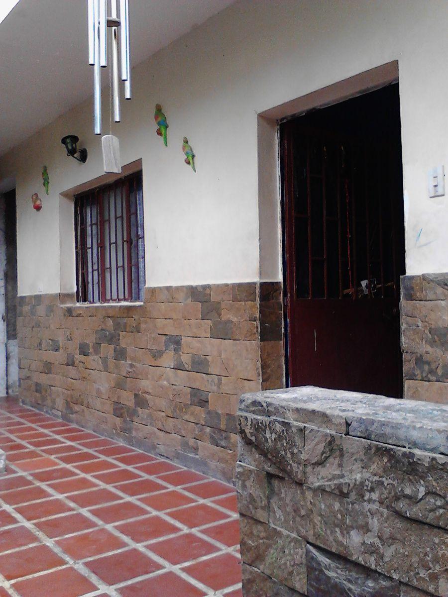 Foto Casa en Venta en Los Teques, Miranda - U$D 16.000 - CAV130644 - BienesOnLine