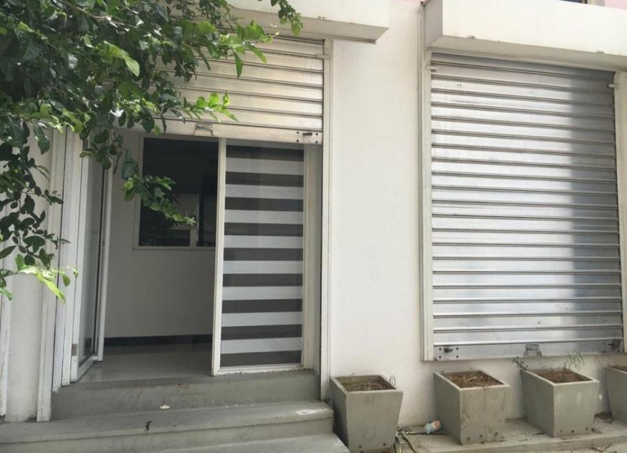 Foto Local en Alquiler en LA LAGO, Maracaibo, Zulia - U$D 280 - LOA134300 - BienesOnLine