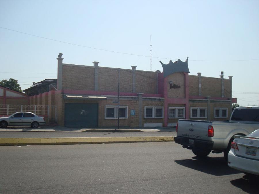 Foto Local en Alquiler en Maracaibo, Zulia - U$D 1.800 - LOA132517 - BienesOnLine