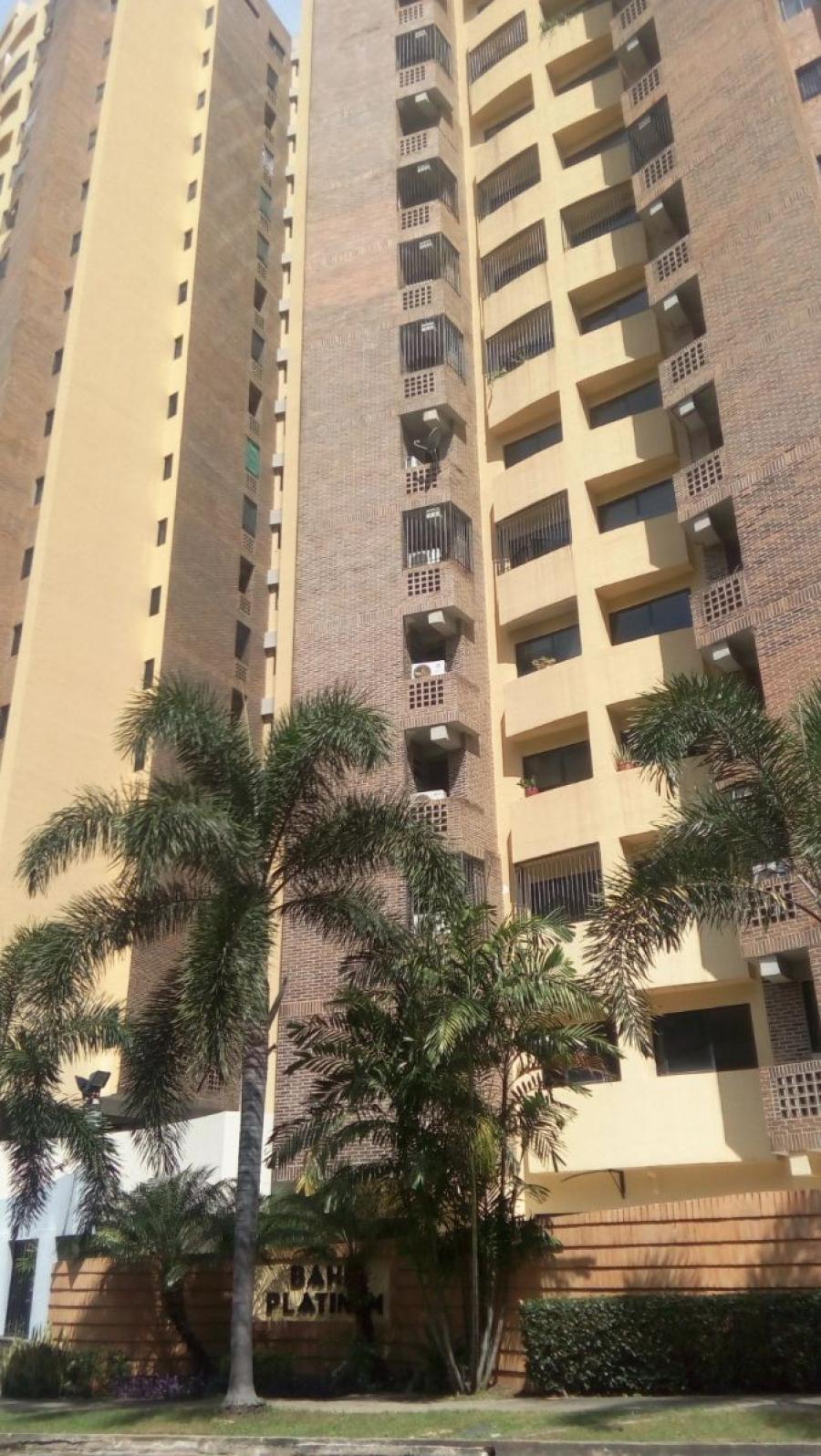 Foto Apartamento en Venta en La Trigale�a, Valencia, Carabobo - 81 m2 - BsF 40.000 - APV122704 - BienesOnLine