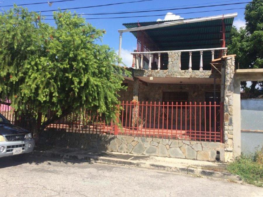 Foto Casa en Venta en Los Samanes 1, Maracay, Aragua - U$D 20.000 - CAV153644 - BienesOnLine