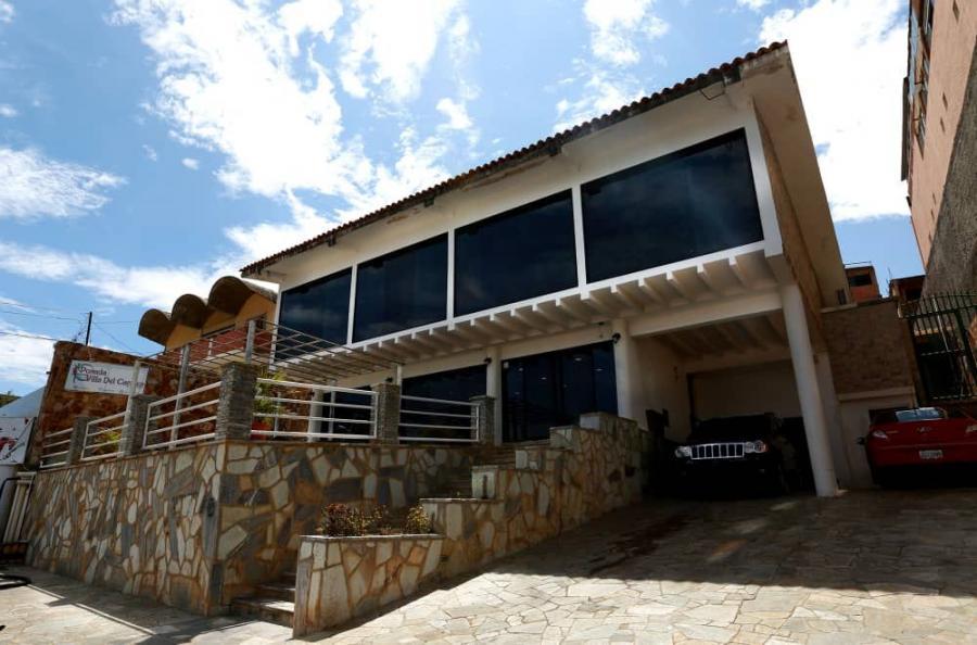 Foto Quinta en Venta en CATIA LA MAR, Catia La Mar, Vargas - U$D 460.000 - QUV144316 - BienesOnLine