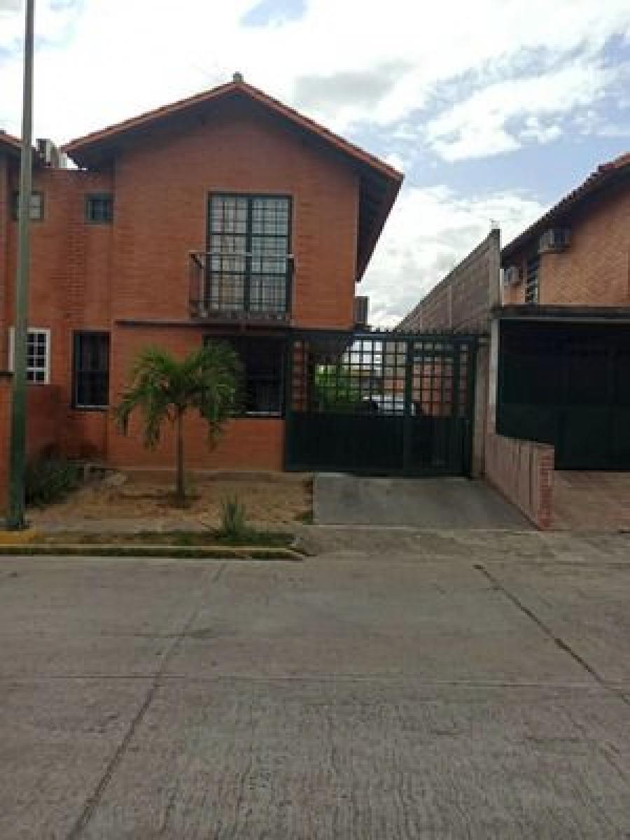 Foto Casa en Venta en Castillejo, Guatire, Miranda - U$D 25.000 - CAV149163 - BienesOnLine