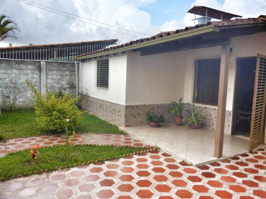 Foto Casa en Venta en La Fontanera, Los Teques, Miranda - U$D 43.000 - CAV146251 - BienesOnLine